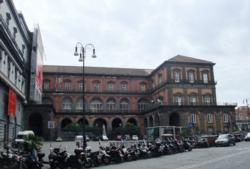 ナポリ16王宮