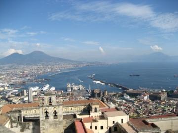 ナポリ53サンテルモ城眺望