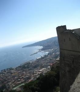 ナポリ54サンテルモ城眺望