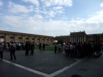 ローマ025ヴァチカン:ピーニャの中庭