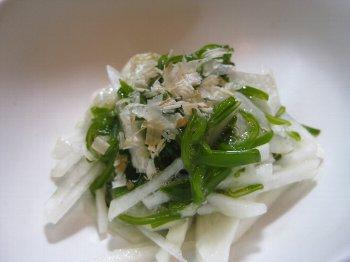 菊芋とめかぶの和え物