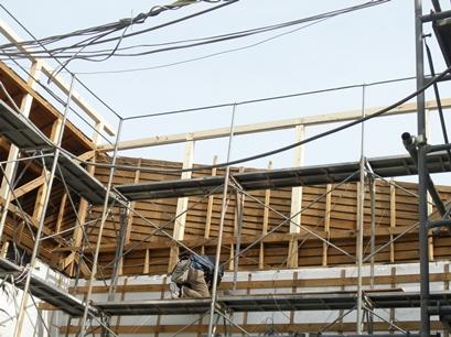屋根の完成が待ち遠しいです