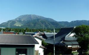 東海道新幹線車窓(伊吹山)