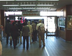 トロッコ嵯峨野駅_改札