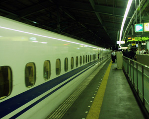 「のぞみ64」新神戸駅