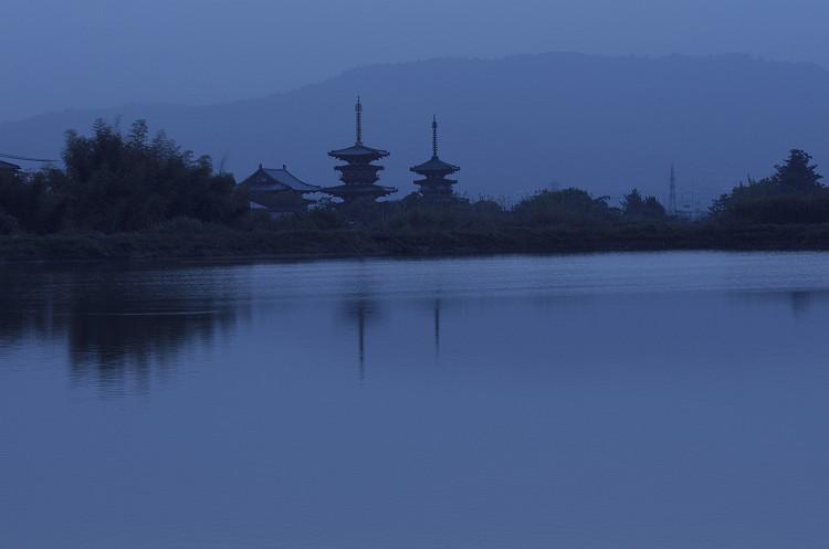 薬師寺 夜明け前