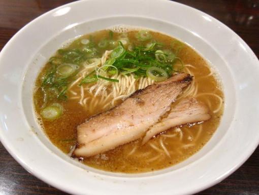 四川麻辣商人(鶏煮干しラーメン)