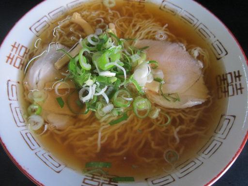 まるみそば店(中華そば・細麺)
