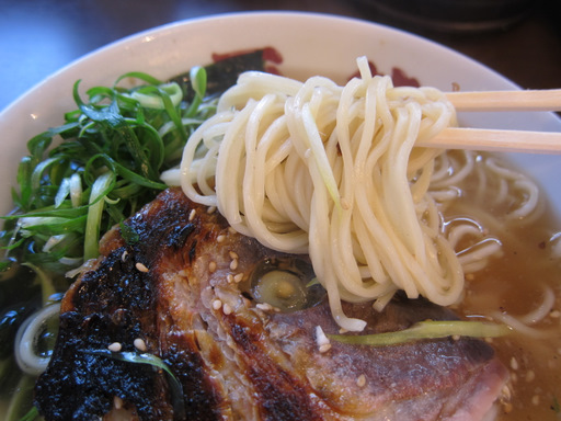 面館・府中店(麺onおかしら)