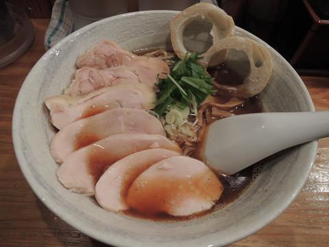 鶏醤油らーめん(850円)