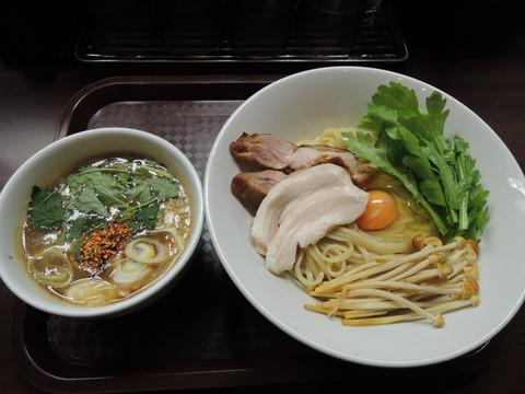 ナックル鶏すき焼き風つけ麺(900円)