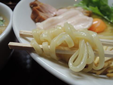 ナックル鶏すき焼き風つけ麺の麺