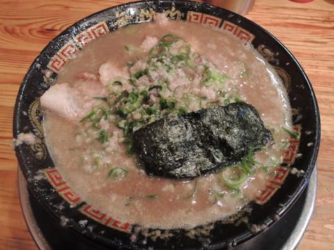 豚にぼラーメン(700円)