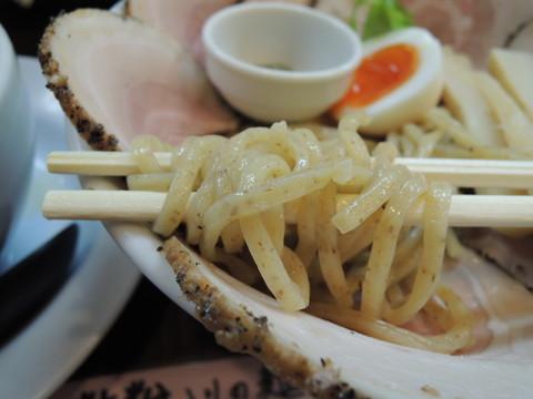 豚CHIKIつけ麺(全粒粉麺)の麺