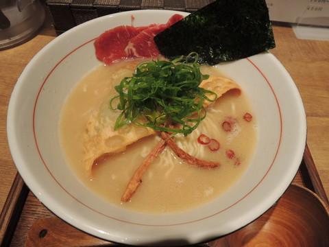 午年の馬骨そば~白味噌仕立て+!!~(900円)