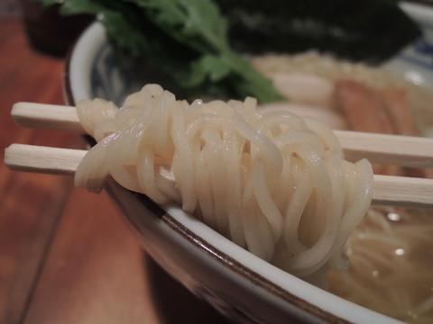 鯛だし塩そば(極細麺)の麺