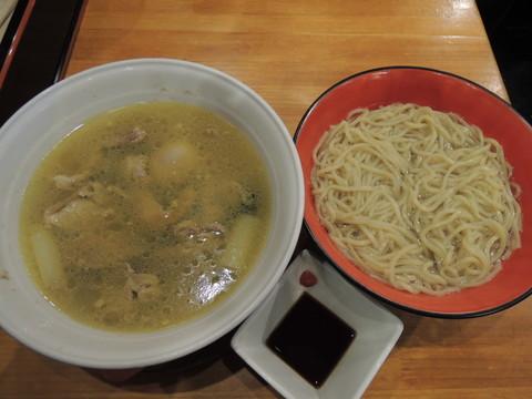 牡蠣と鶏肉の貝塩つけ麺(1365円)