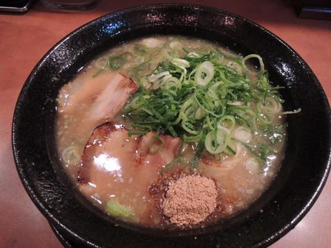 こってりラーメン(醤油)細麺(780円)