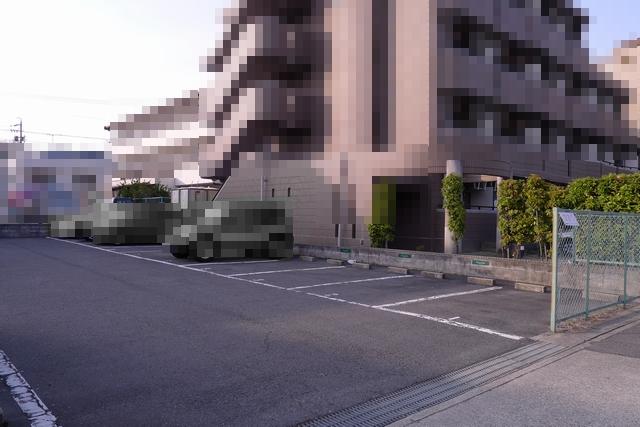 A nous paris駐車場03