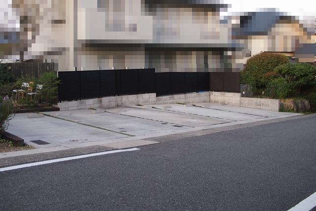 ローズコーポラス駐車場