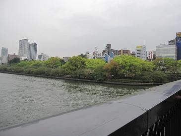 何て言う川だっけ?新緑が綺麗でした!
