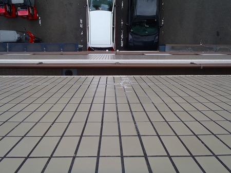 06 磁器タイル面への漏水