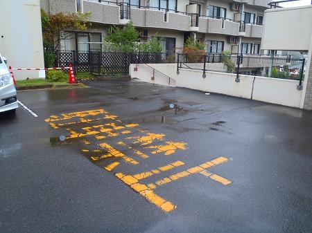 05 駐車場ラインの摩耗消 B