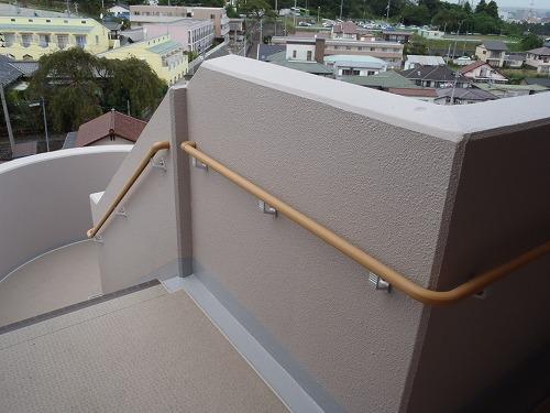 02 避難階段の手摺