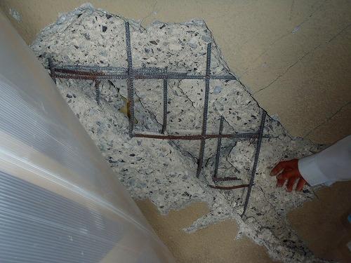 02 階段壁の損傷