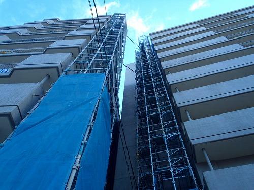 01 バルコニー側昇降階段01