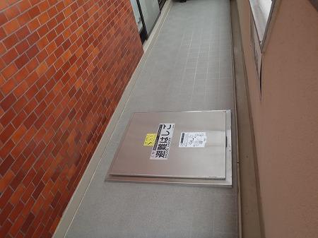 06 避難ハッチ 床面