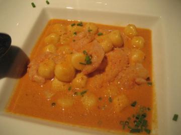 ジャガイモのニョッキ 甘エビとそのミソで作ったクリームソース