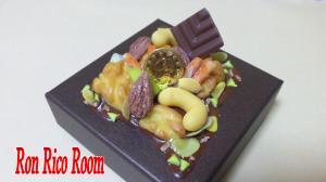 ナッツのチョコレートBOXRRR