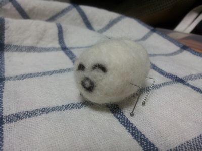 羊毛フェルトで┌(┌ ^o^)┐ホモォ