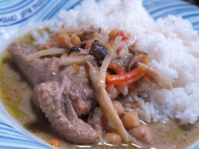 ひよこ豆とチキンのグリーンカレー@オリオリカフェ