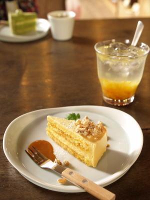 キャラメルのムースケーキ&甘夏レモネード風味@三番山下