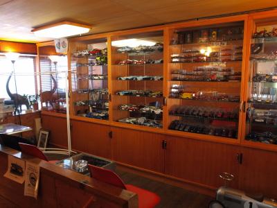 2階のミニカー博物館コーナー@太郎焼総本舗