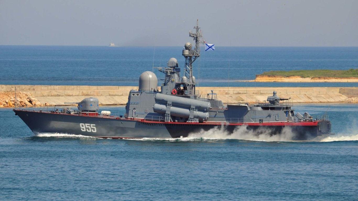 ロシア黒海艦隊の3隻のロケット艦は演習を行なった   N.G.クズネツォフ記念・ウリヤノフスク赤旗・親衛ロシア海軍情報管理局
