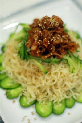 豚キムチのジャージャー冷麺