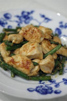鶏肉のガーリックマヨ炒め
