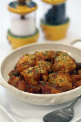 鶏肉となすのピリ辛トマト煮