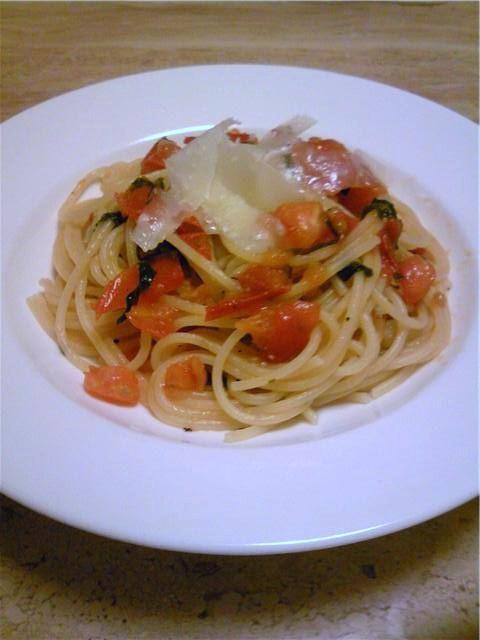 フレッシュトマトと紫蘇スパゲティ-ニ