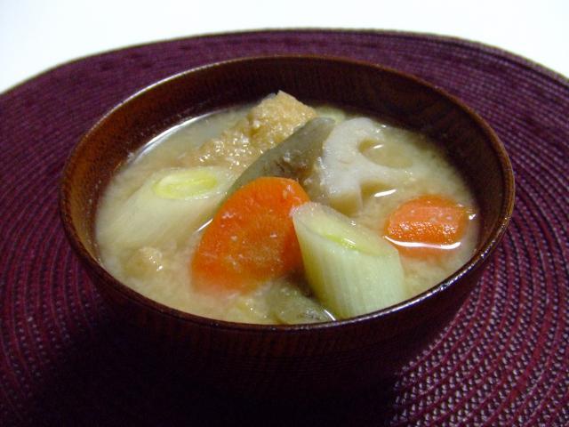 粕と味噌の根菜汁♪