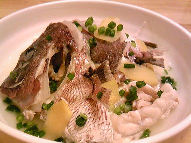 1真鯛のアラの塩煮♪