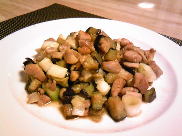 鶏と茄子と葱のコロコロ柚子胡椒炒め♪