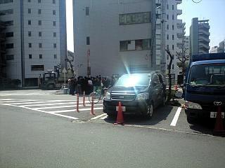 ラーメン二郎(裏入口)