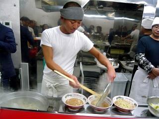 ラーメン二郎湘南藤沢支店(麺上げ)
