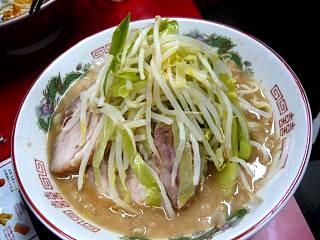 ラーメン二郎湘南藤沢店(一杯目)