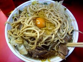 ラーメン二郎三田本店(小豚玉子シュート)