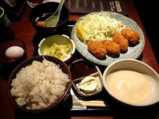 土風炉(麦とろ牡蠣フライ定食)